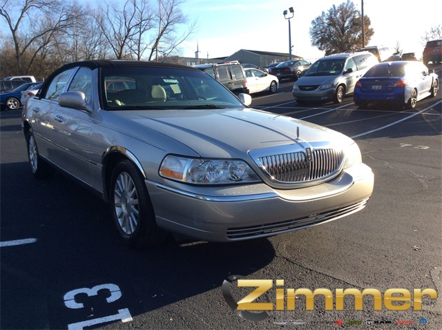 Pre Owned 2004 Lincoln Town Car Ultimate 4d Sedan In Florence